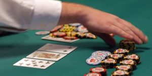 Online Casino Tips: Tips To Help You Play Your Favorite Casino Site Safely